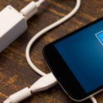 Почему iPhone не заряжается через USB?