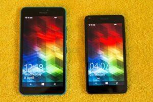 640xlvs640lumias1 300x200 - Голубой или оранжевый? Матовый или Глянцевый? Сравнение Lumia 640 и 640 XL