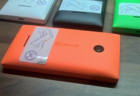 lumia435panel1