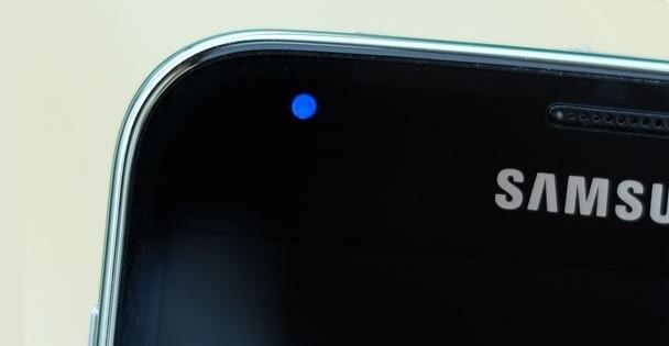 130 samsung migaet i ne vkluchaetsya 1 - Что делать если телефон Samsung мигает и не включается?