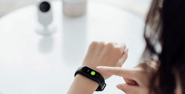 Xiaomi Mi Band 3 на руке